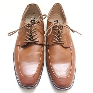 Steve Madden Brown Tie Up Shoes